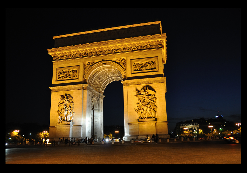 55-arc-de-triomphe-nuit.jpg