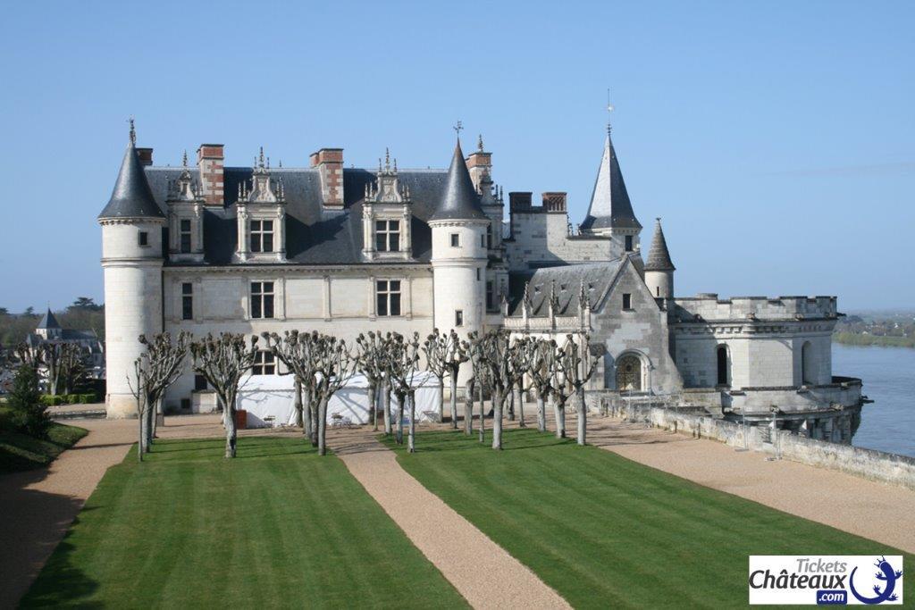 chateau-amboise-logo.jpg
