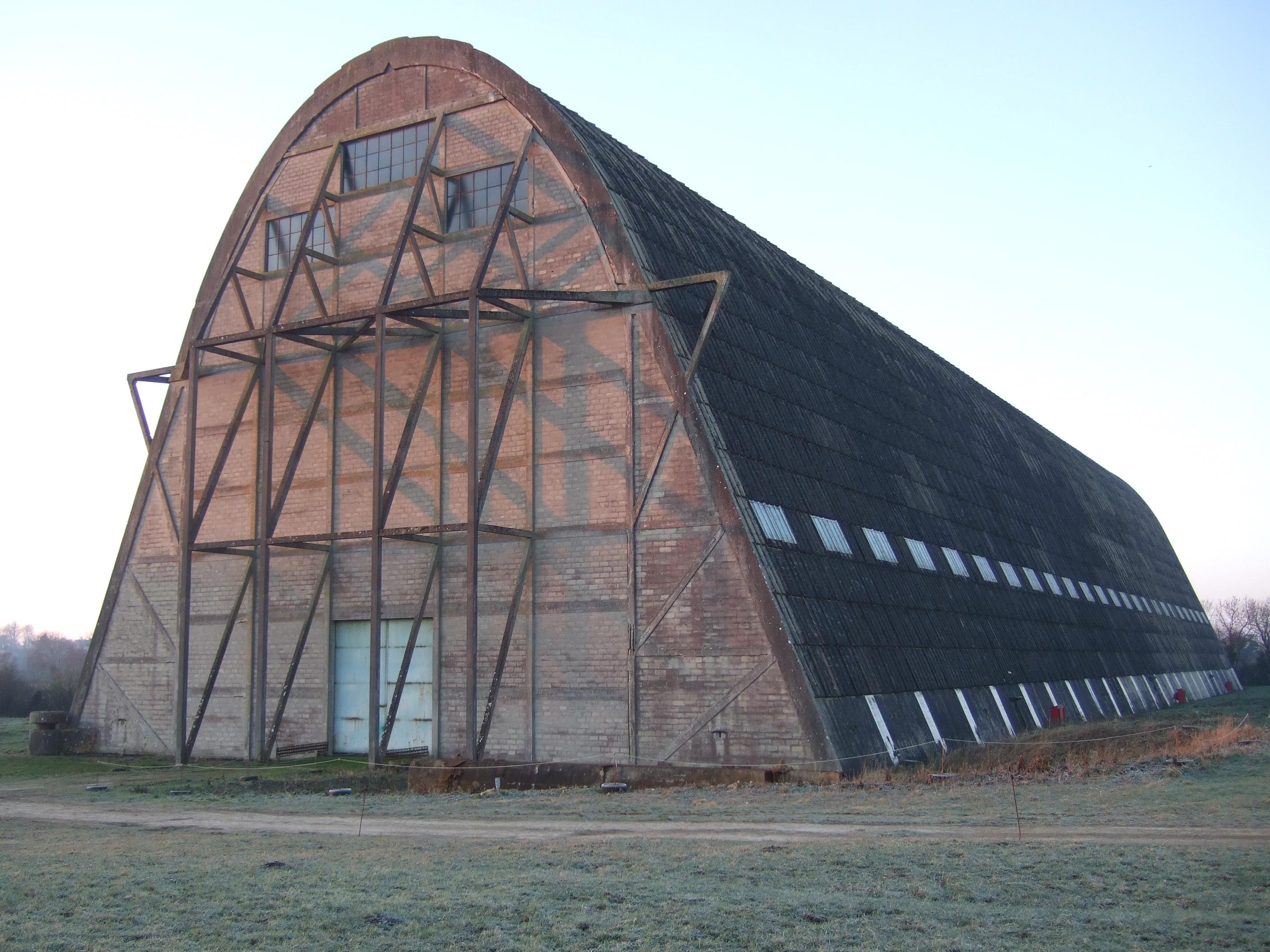 Hangar à dirigeables d'Ecausseville