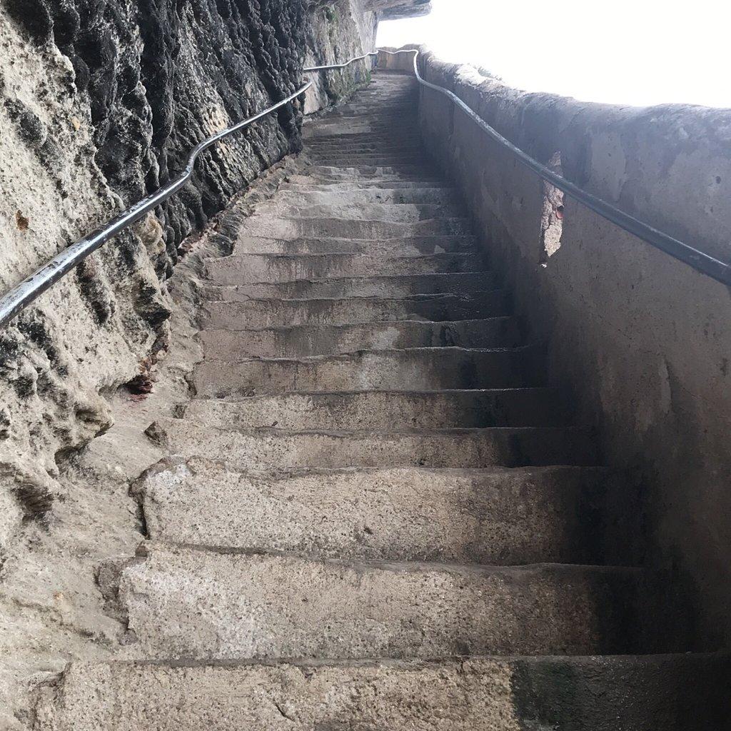 380-escalier-du-roya-d'aragon-bonifacio.jpg