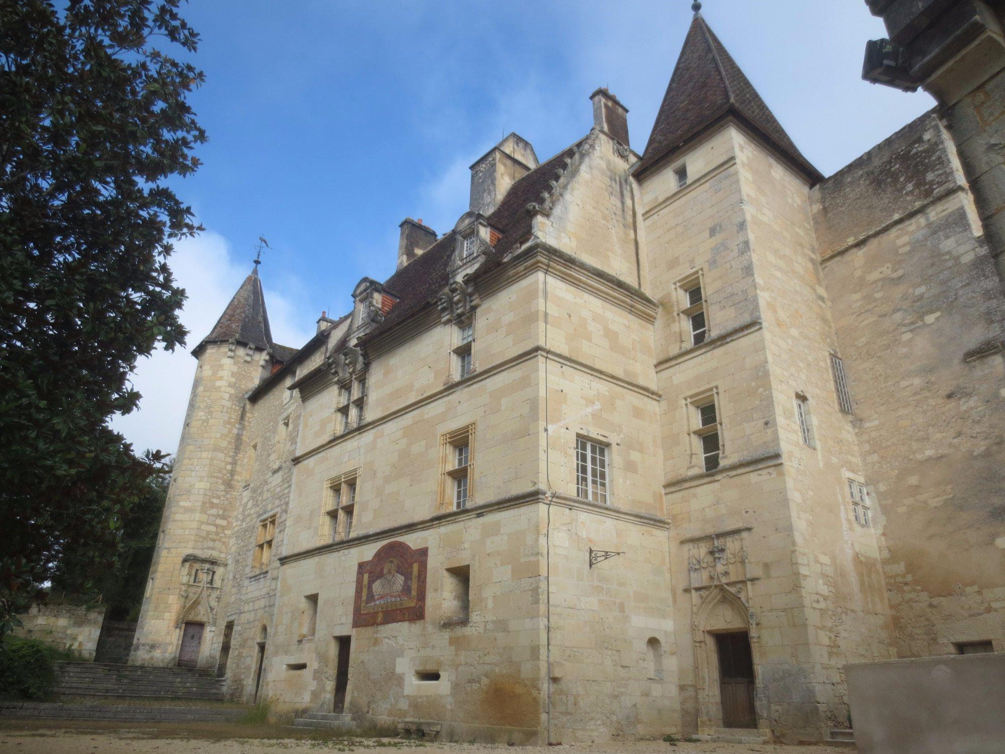 416-chateau-de-chateau-l'eveque.jpg