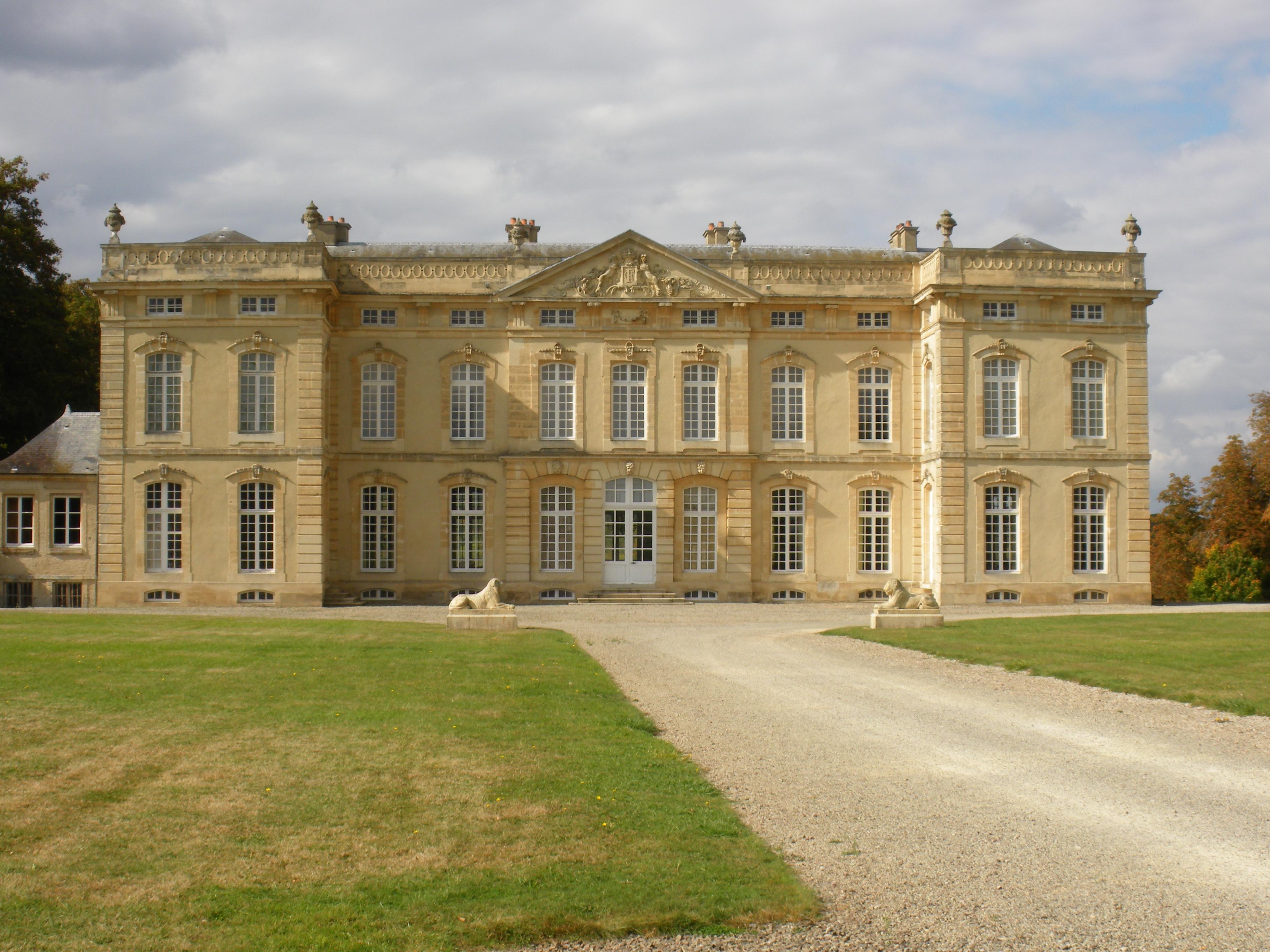 511-chateau_bourg_st_leonard.jpg