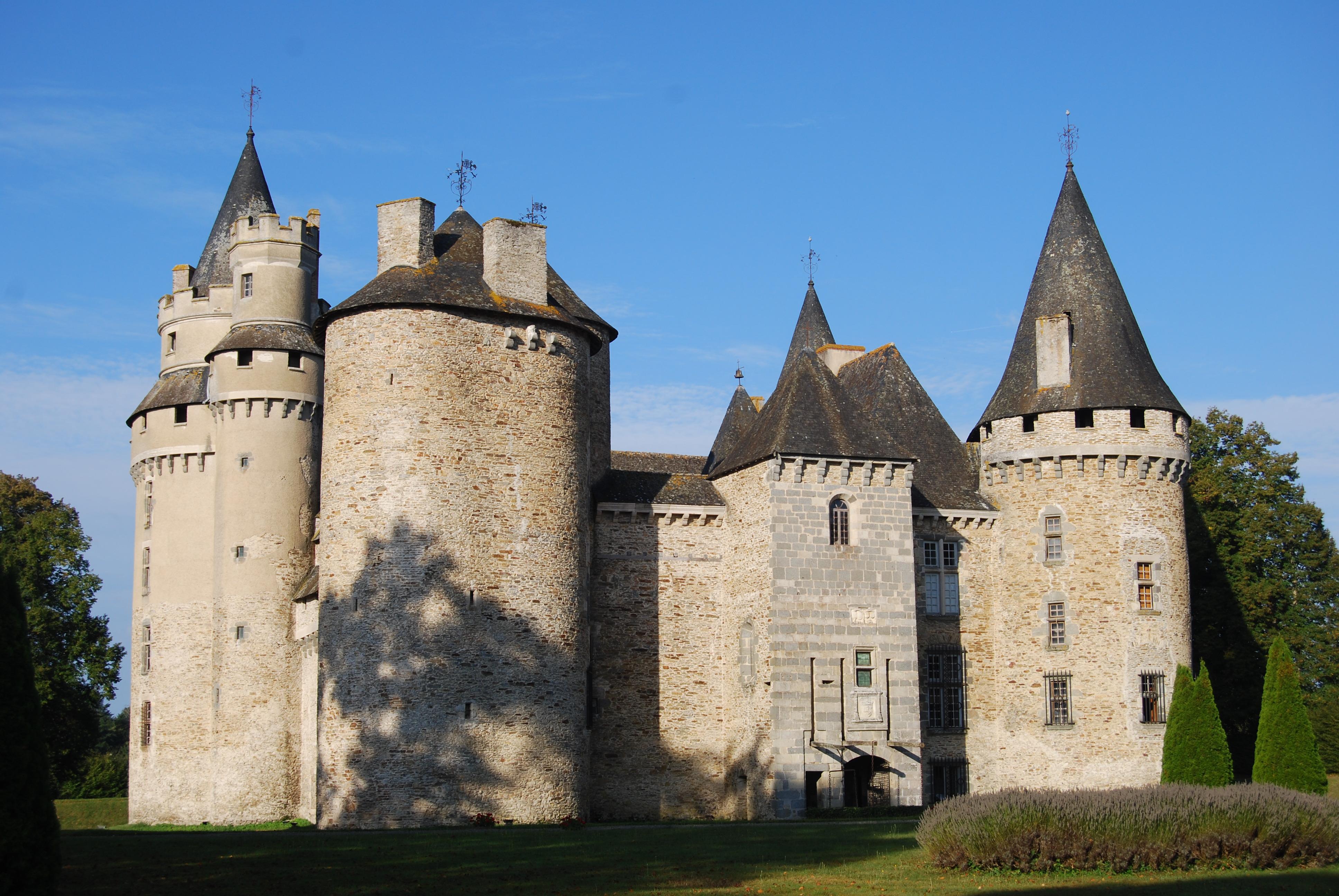 688-chateau-de-bonneval-haute-vienne.jpg