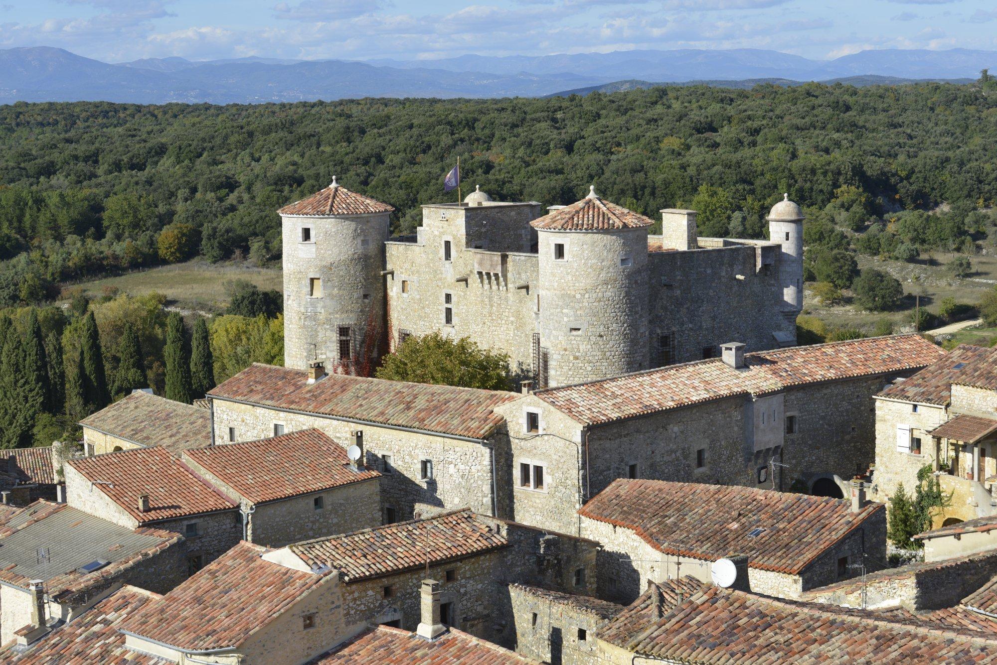 1216-chateau-des-roure-ardeche.jpg