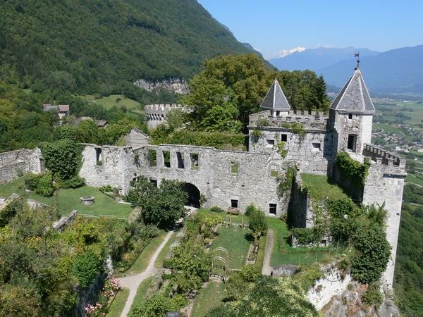 1310-chateau-de-miolans-savoie.jpg