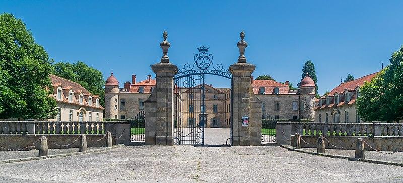 1361-chateau-de-parentignat-puy-de-dome-auvergne-rhone-alpes.jpg