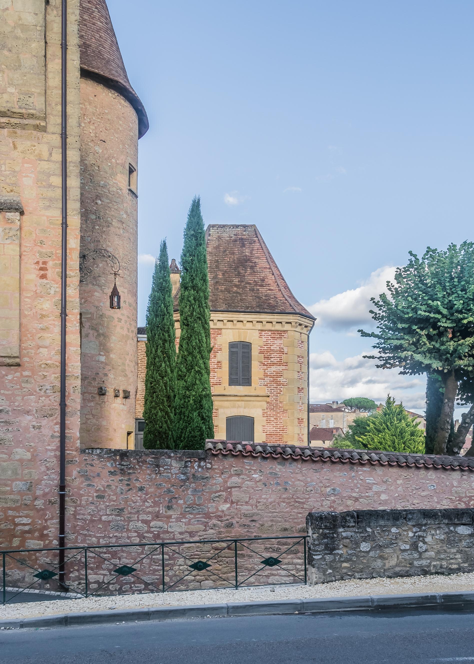 810-chateau-de_belves-dordogne.jpg