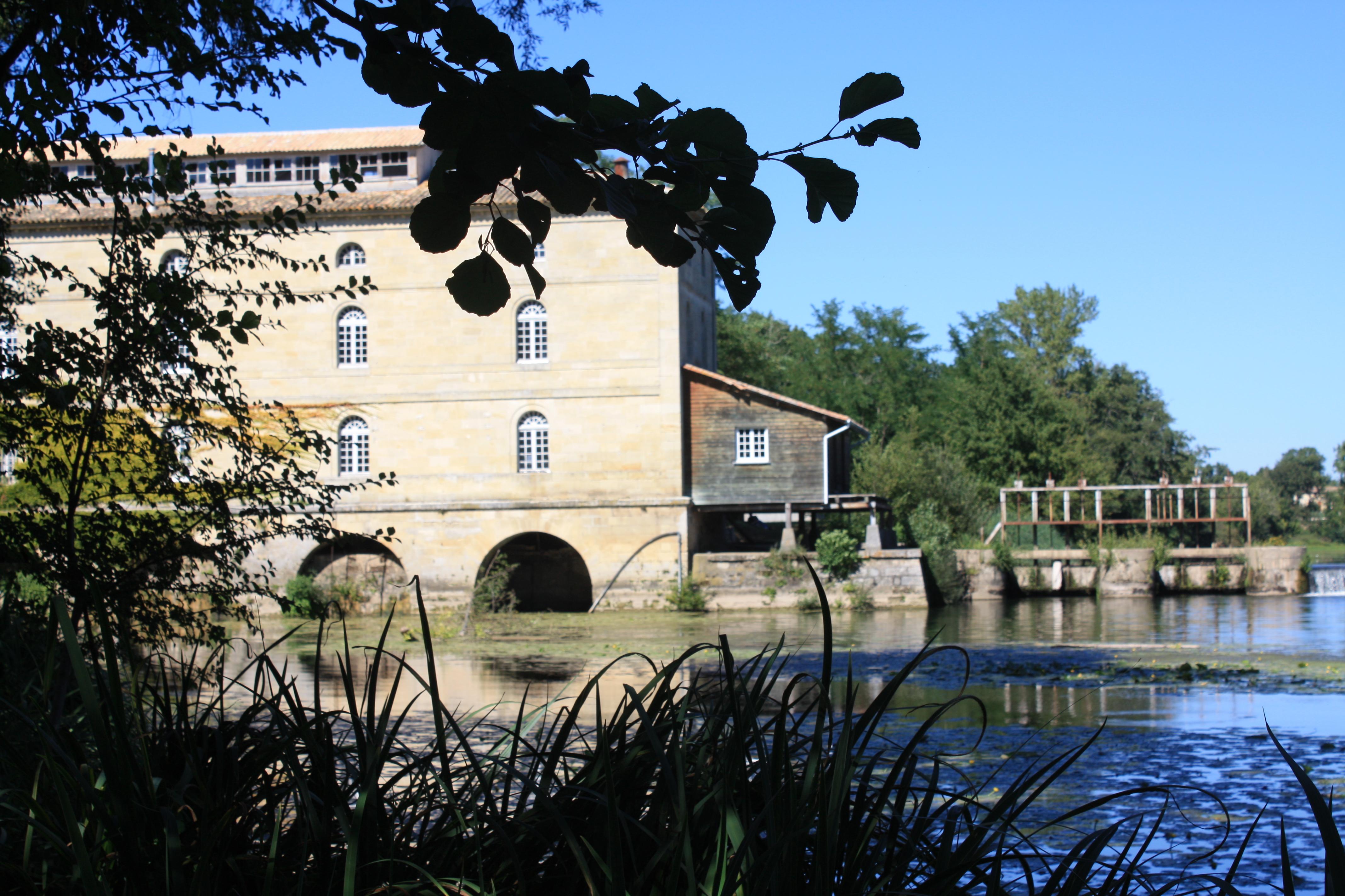 902-moulin_du_barrage_a_porcheres_en_gironde_.jpg