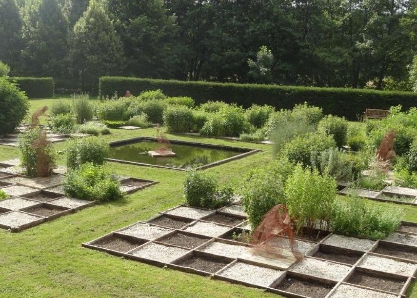 28-abbaye-de-fontaine-guerard-jardin-du-savoir-13.jpg