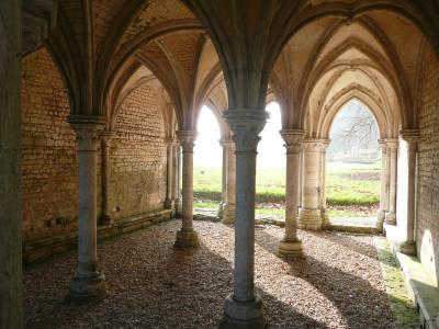 28-abbaye-de-fontaine-guerard-salle-capitulaire.jpg
