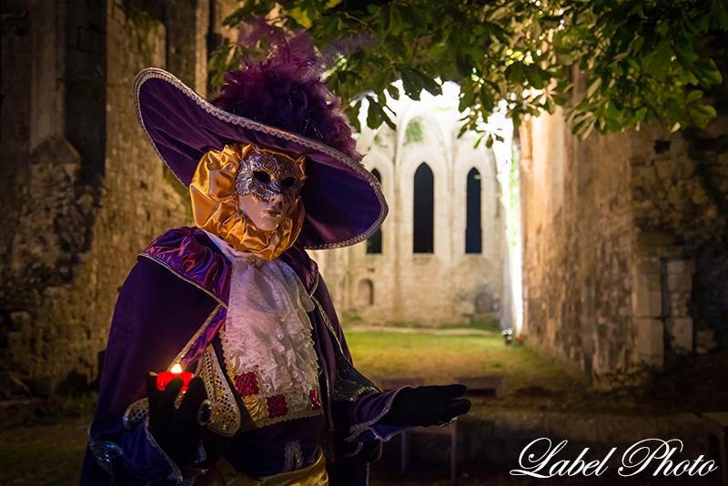 28-abbaye-de-fontaine-guerard-venise-en-l'abbaye-nocturne.jpg