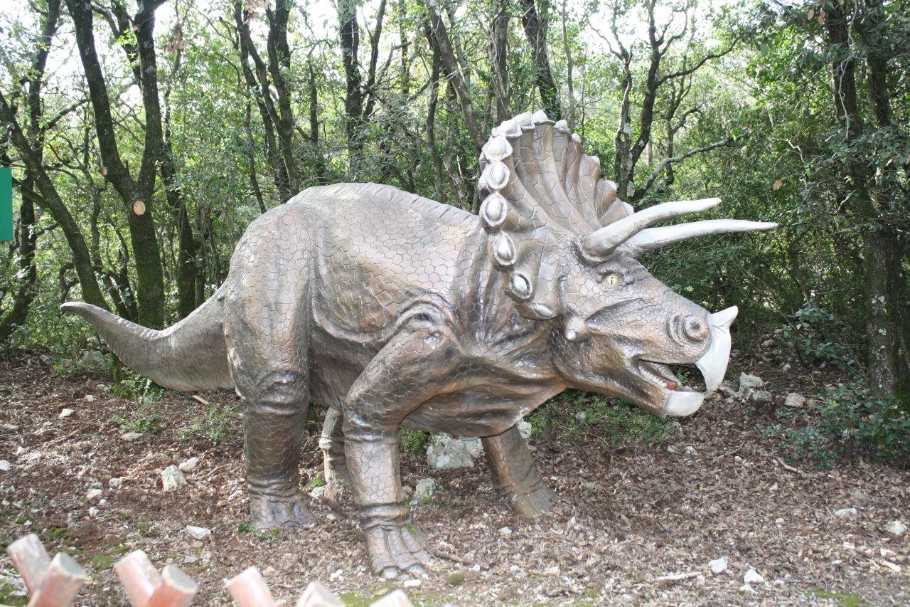 43-zoo-aven-marzal--dinosaure-5.jpg