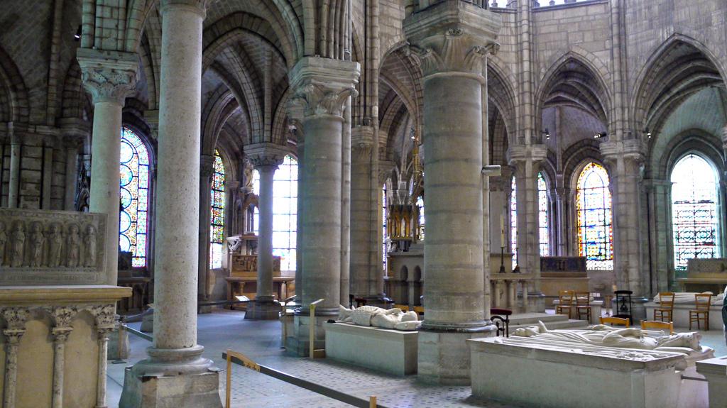 cathedrale-basilique-saint-denis-necropole.jpg
