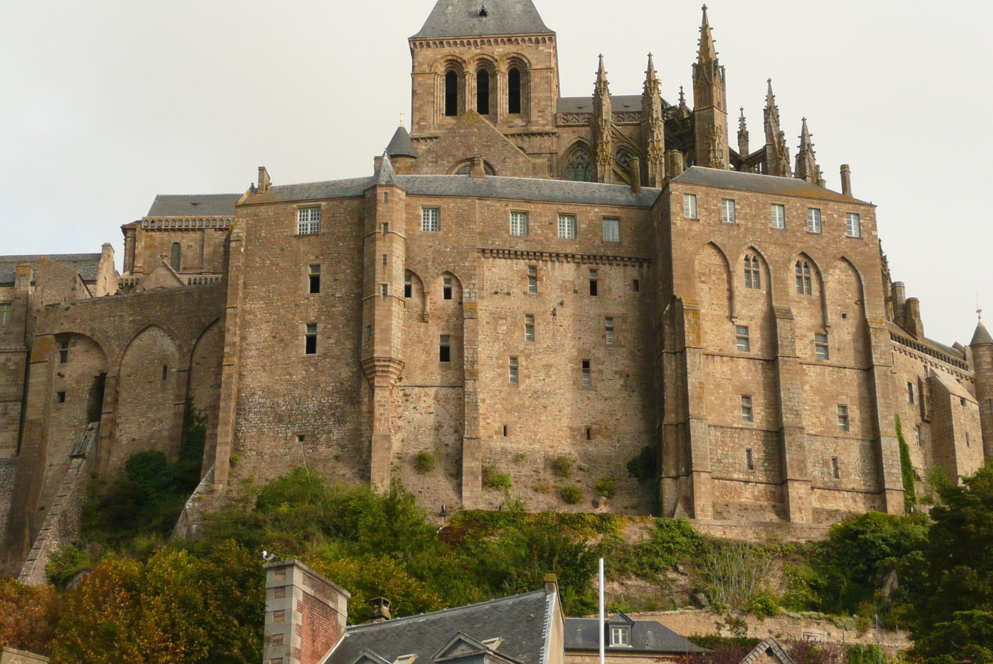 mont-saint-michel-facade-murs.jpg