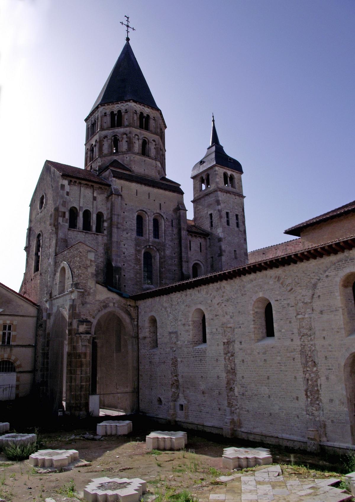 abbaye-de-cluny-3.jpg