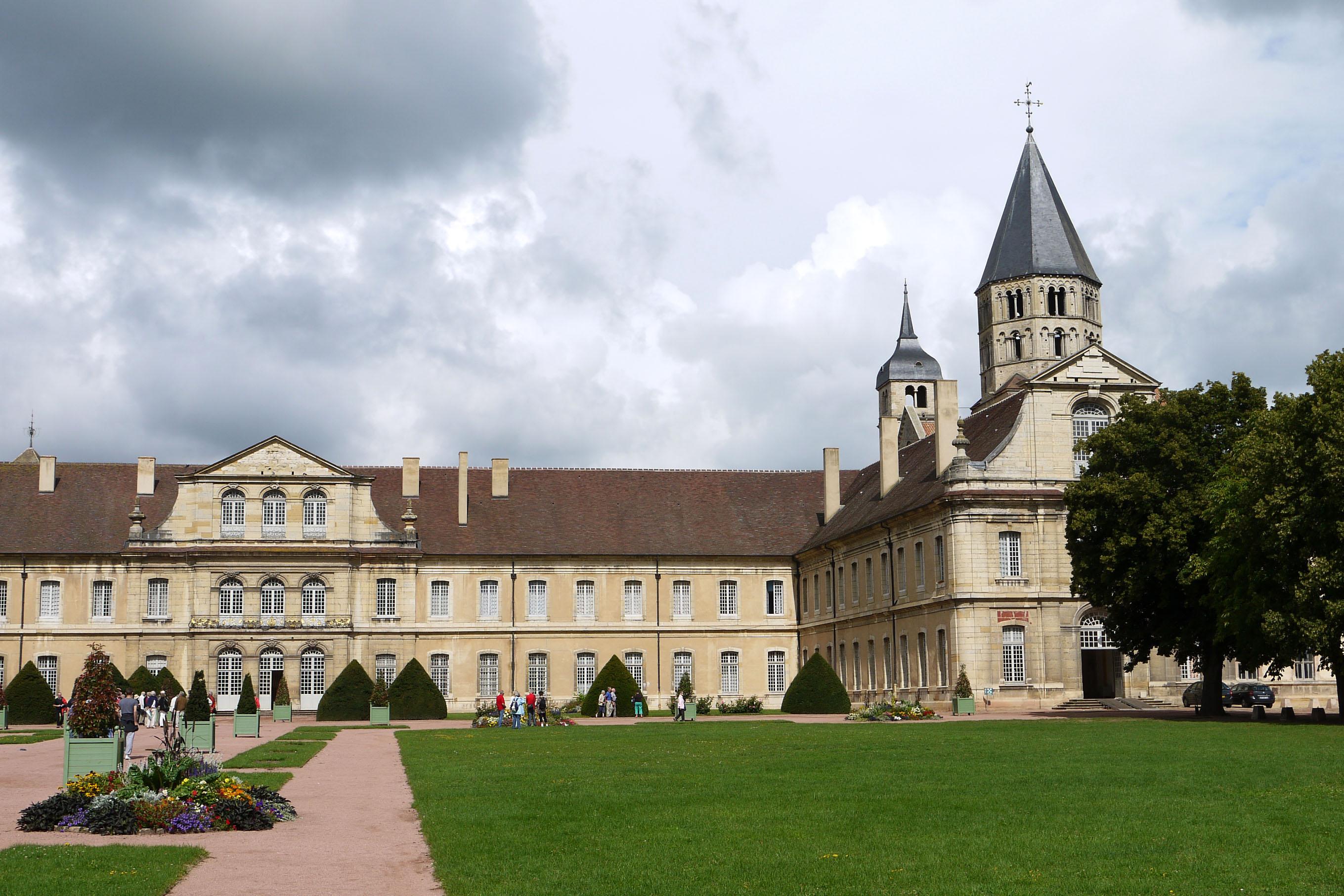 abbaye-de-cluny-2.jpg