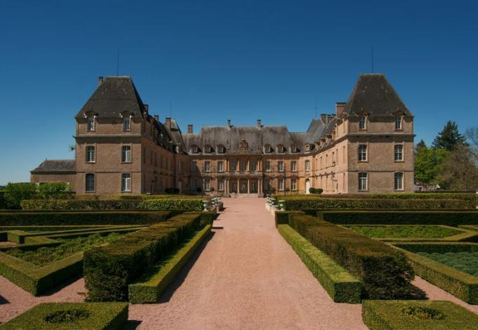 76-chateau-dree-cour.jpg