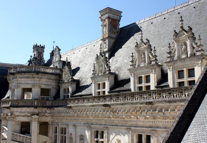 chateau-blois-aile-francois-ier-detail-photo.jpg