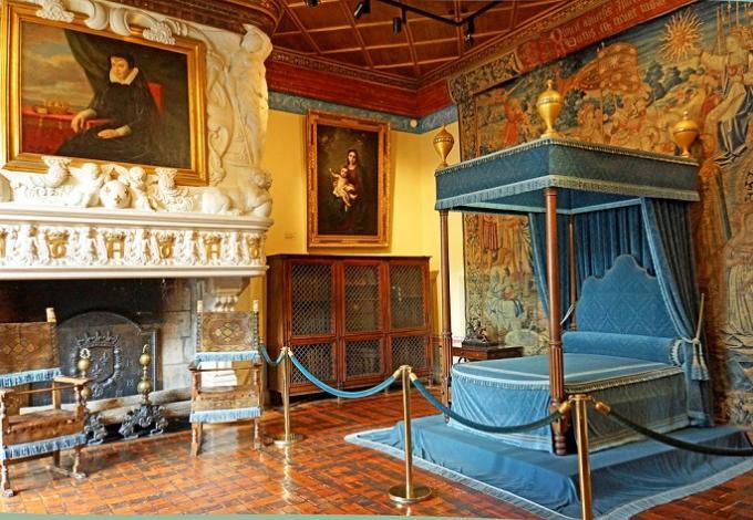82-chateau-de-chenonceau-chambre-diane-de-poitiers-(2).jpg