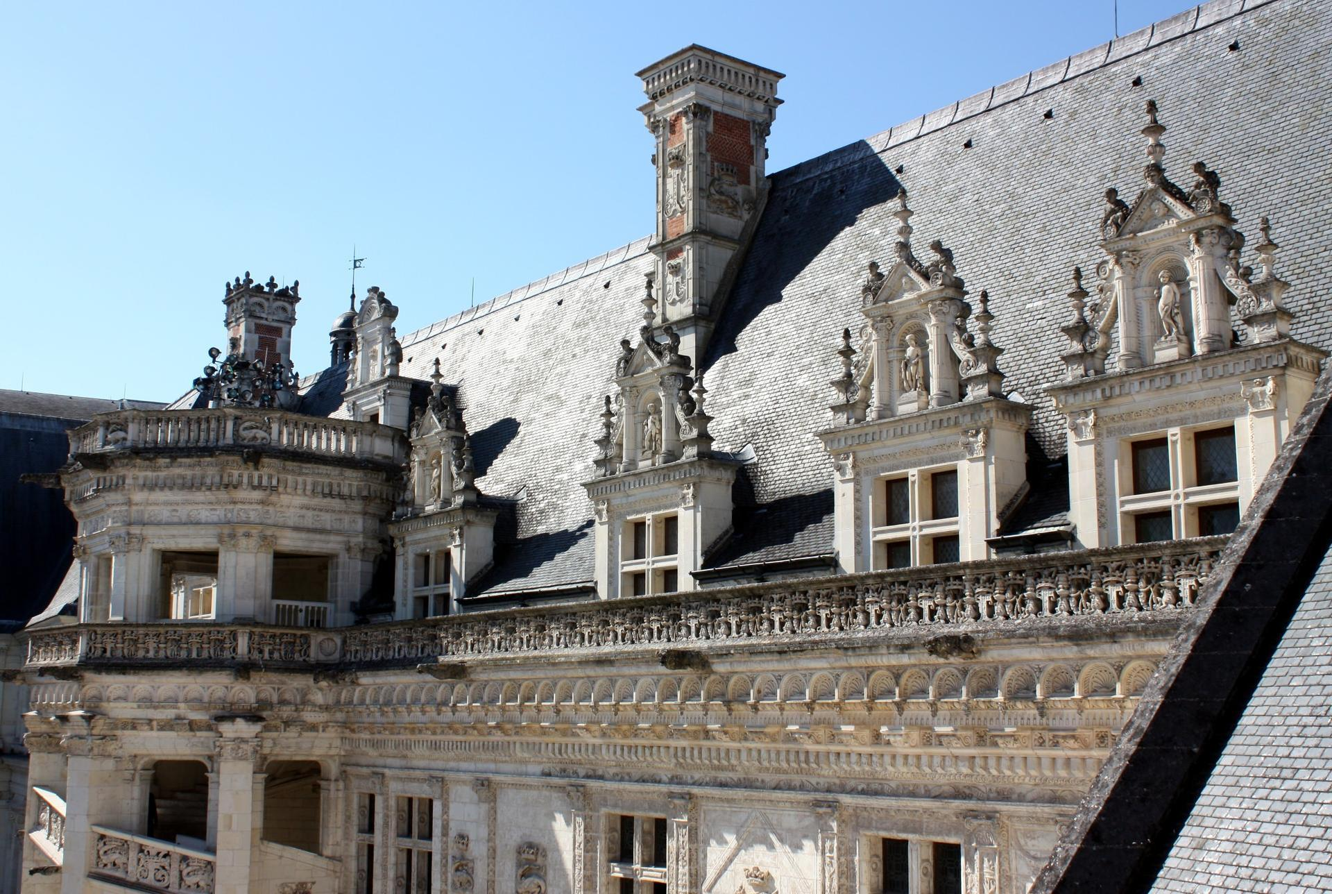 chateau-blois-aile-francois-ier-detail-photo.jpg