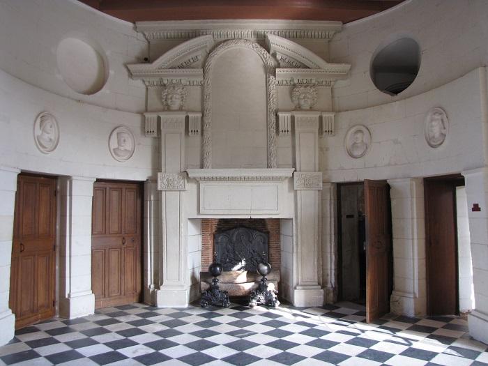 82-chateau-de-chenonceau-cheminee-(2).jpg