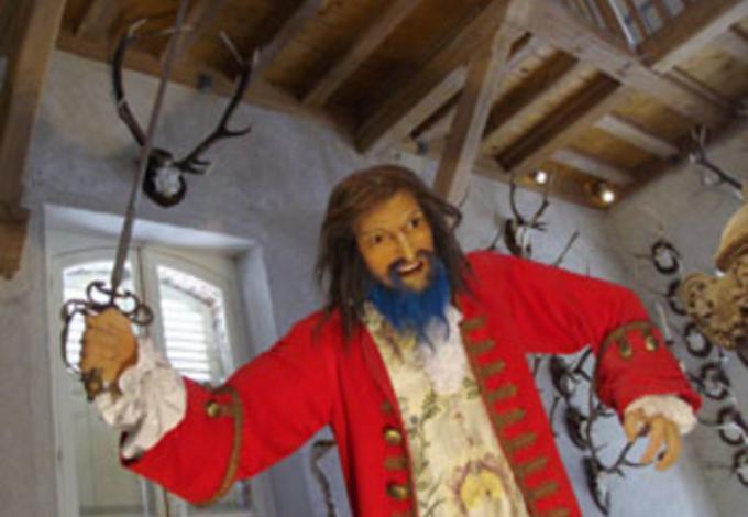 102-chateau-de-breteuil-l'effrayante-barbe-bleue.jpg