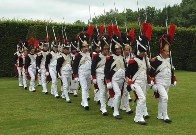 105-chateau-de-breteuil-les-grenadiers-de-napoleon.jpg