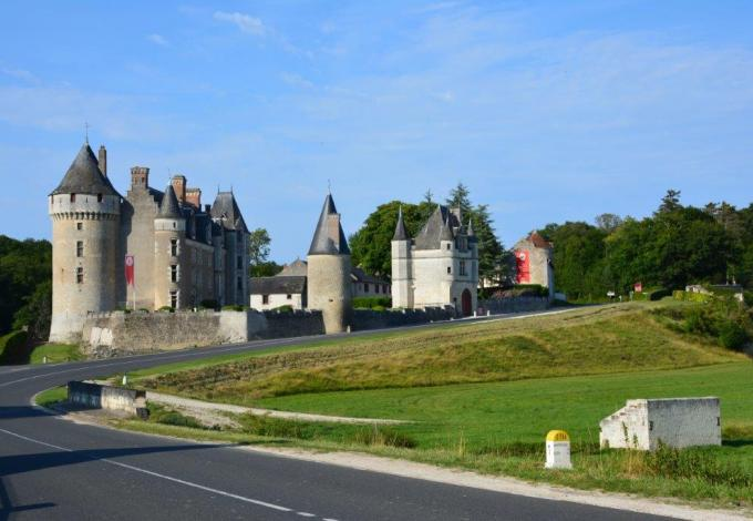 143-montpoupon-chateau-2jpg.jpg