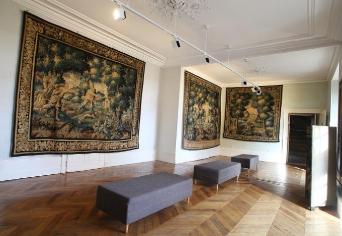 146-chateau_pompadour-correze_salon_1.jpg