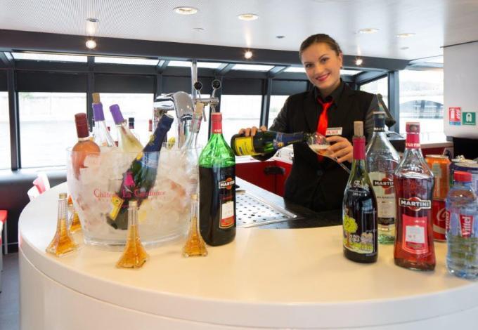 209-vedettes-de-paris-boisson.jpg