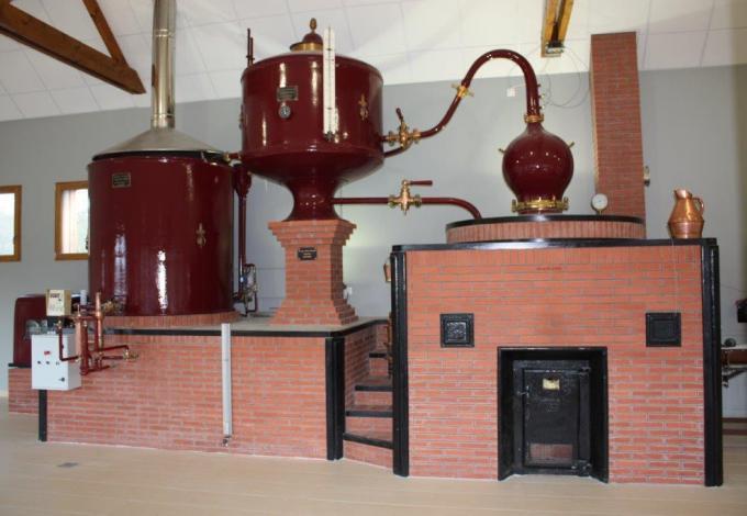 217-calvados-distillerie-huet--alambic-a-repasse.jpg