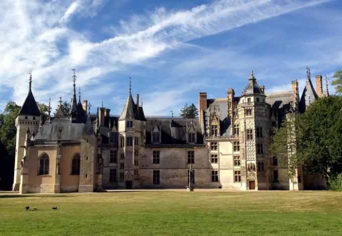 219-chateau-meillant-facade-interieure.jpg
