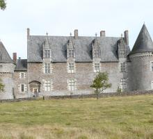 400-chateau_de_la_motte-glain.jpg
