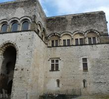 774-chateau_des_adhemar_montelimar.jpg