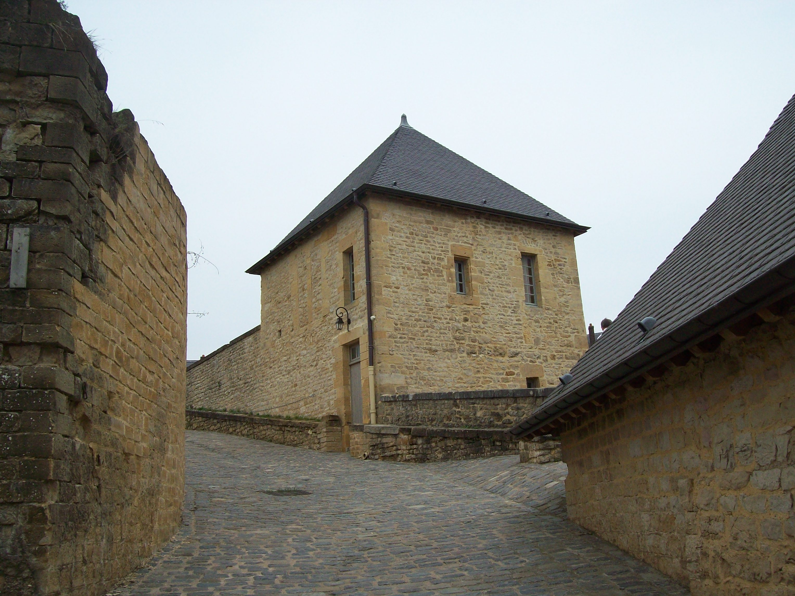 333-chateau_fort_de_sedan.jpg