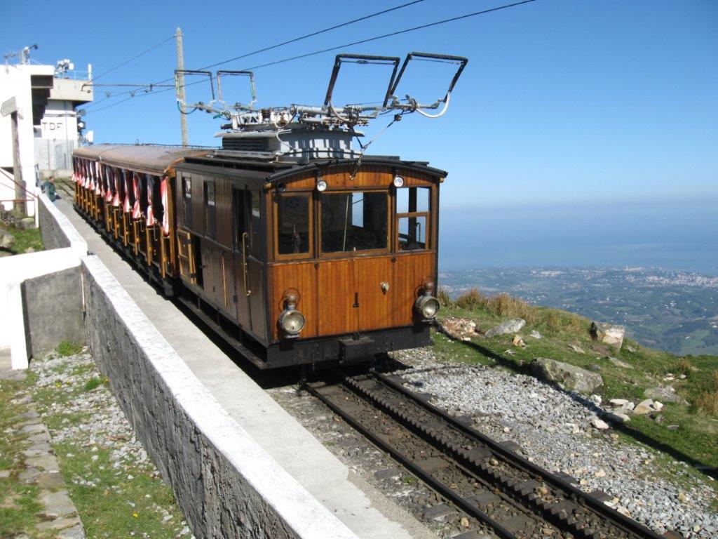 348-rhune_train_64.jpg