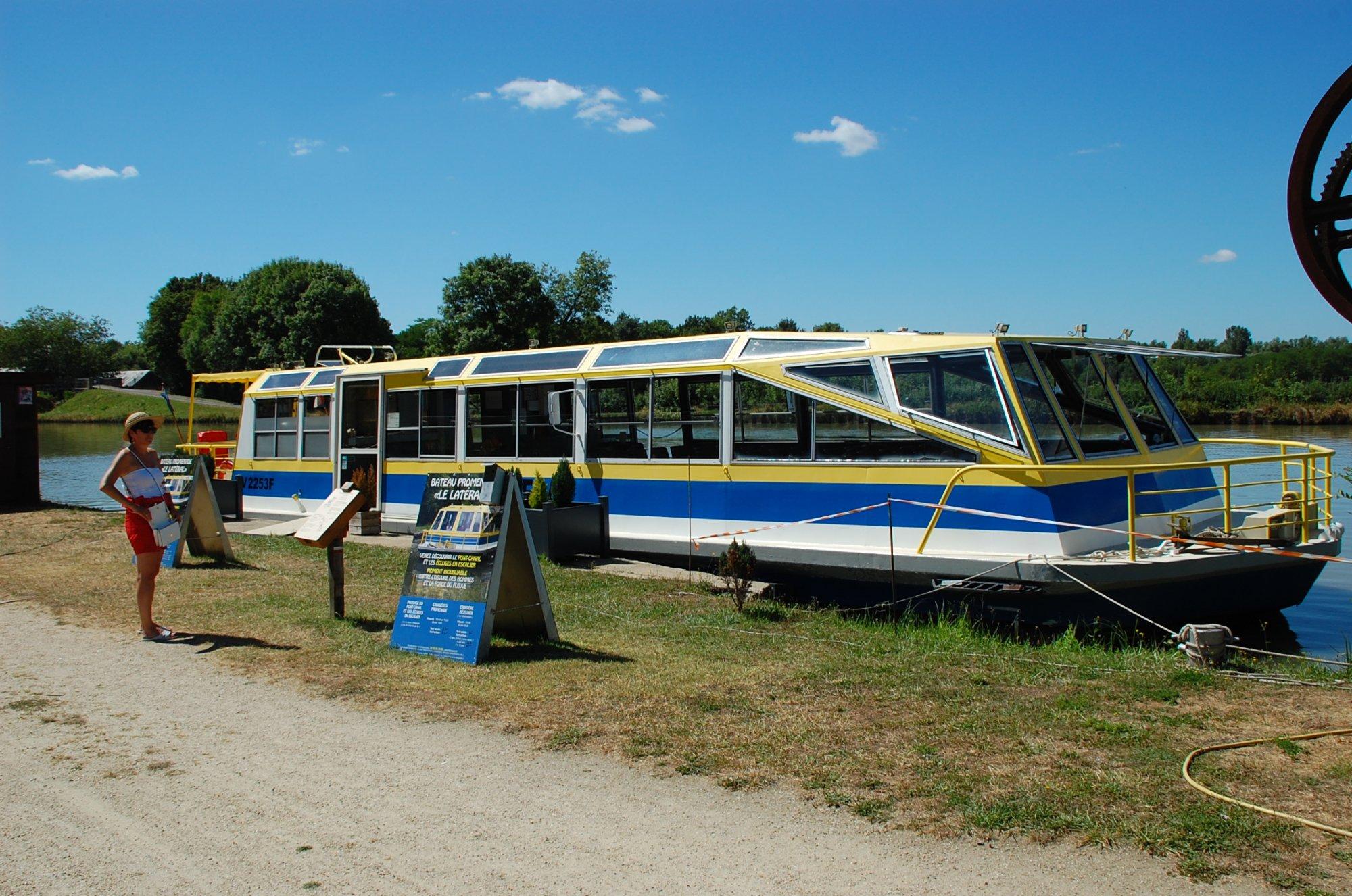 543-bateau-le-lateral.jpg