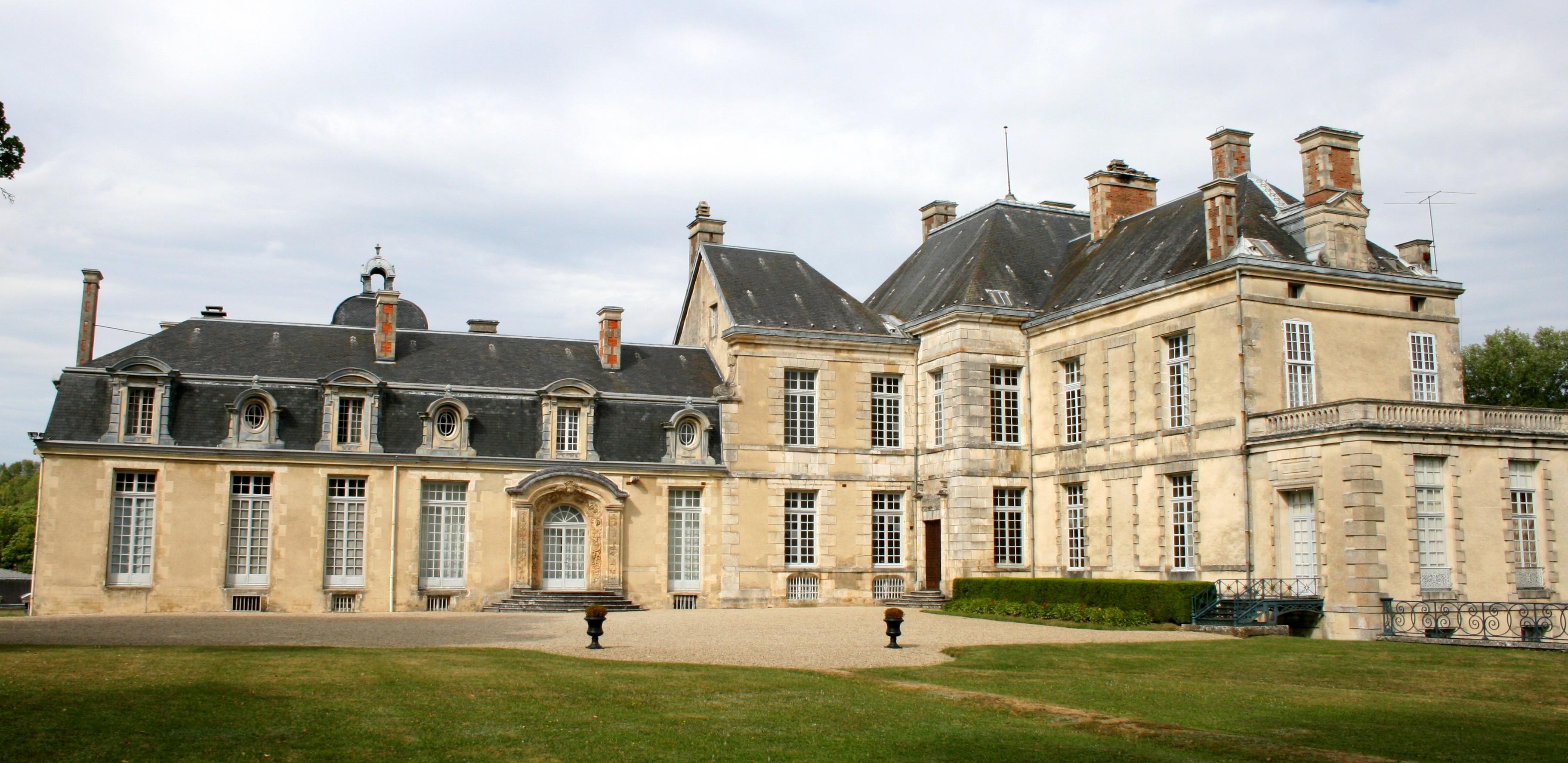 583-chateau-cirey-sur-blaise.jpg