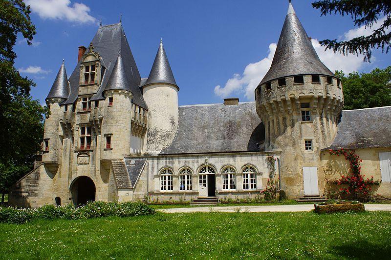 656-chateau-javarzay-deux-sevres.jpg