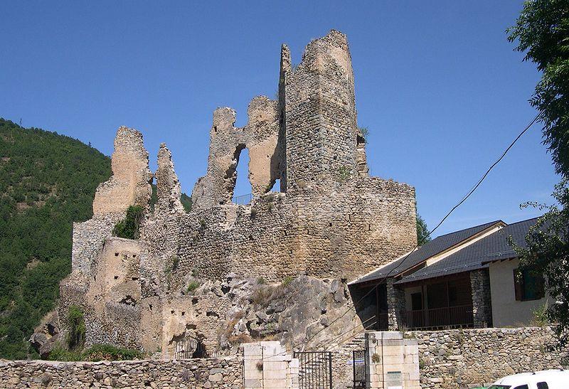 1014-usson-plus-beaux-villages-de-france-puy-de-dome.jpg