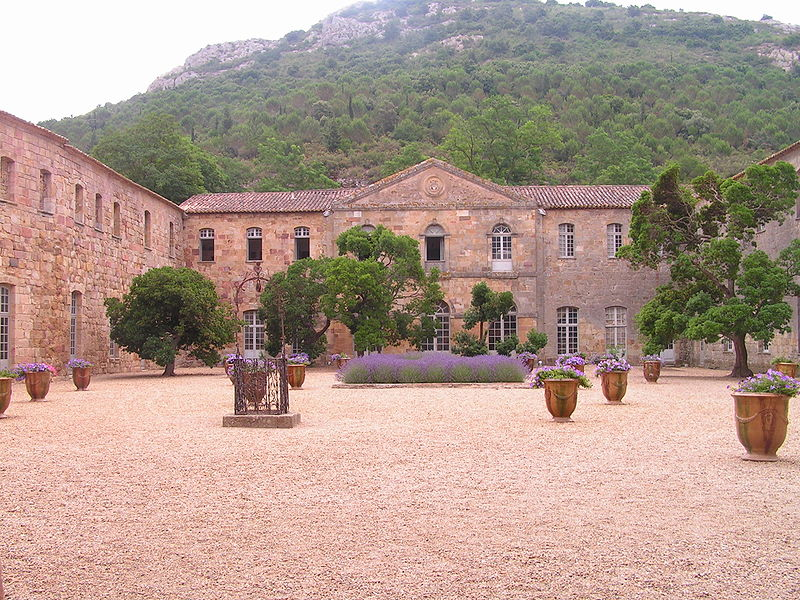 1025-abbaye_fontfroide_narbonne-aude.jpg