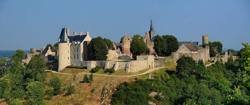 1100-sainte-suzanne-plus-beaux-villages-de-france-mayenne.jpg