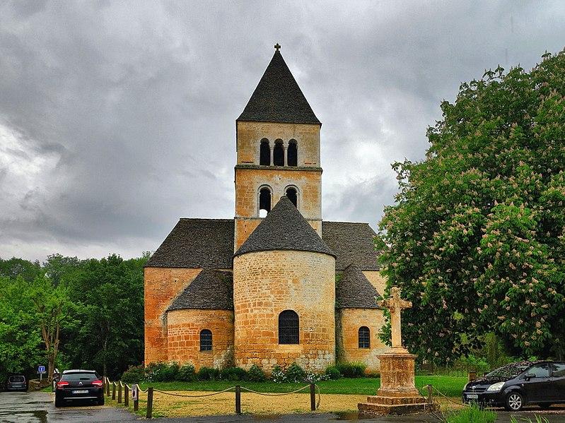1107-saint-leon-sur-vezere-plus-beaux-villages-de-france-dordogne.jpg
