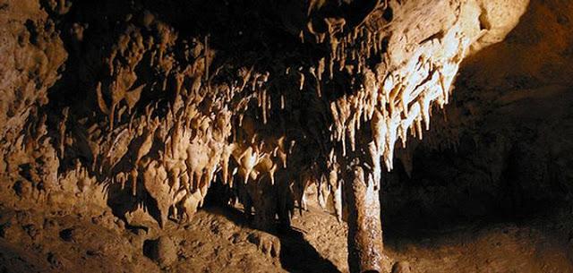 1222-grotte-celestine_rauzan-gironde.jpg