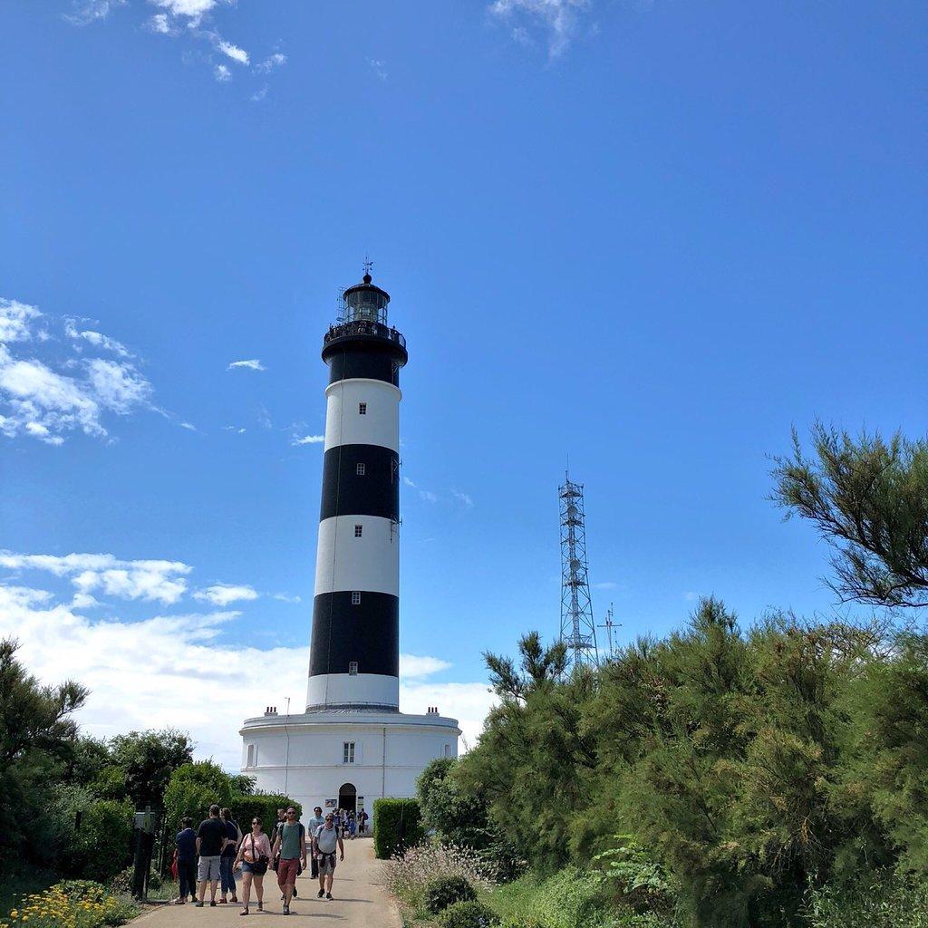 1316-phare-de-chassiron.jpg