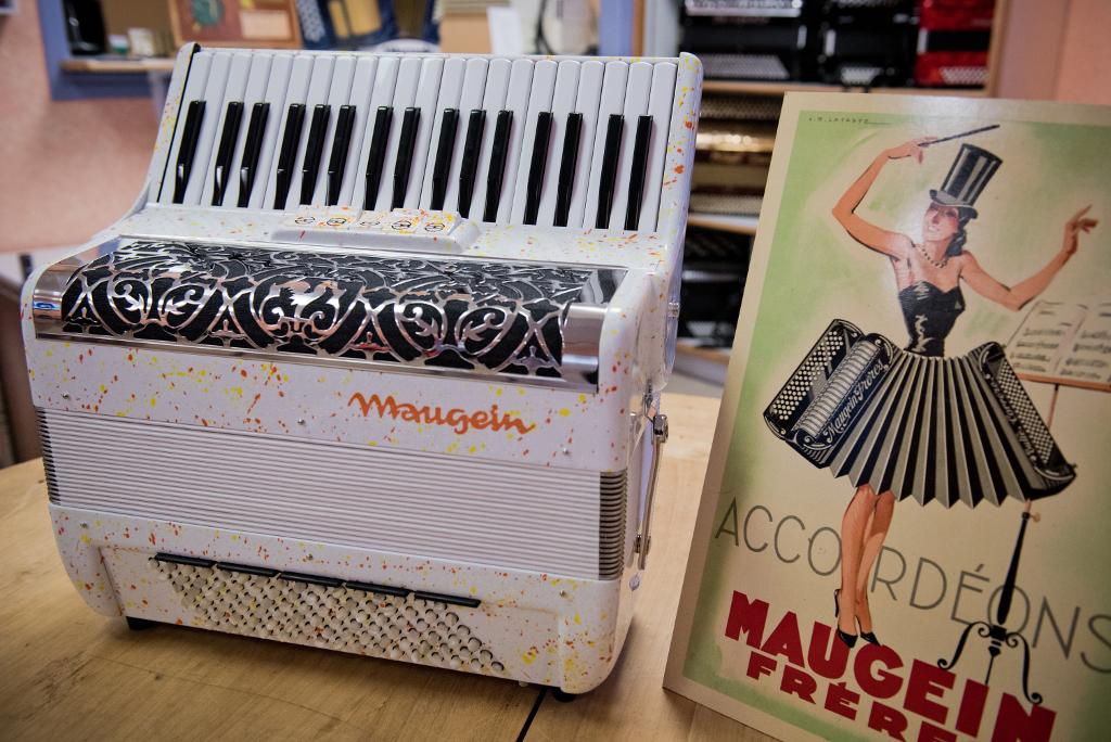 1386-manufacture_accordeons_maugein_tulle_19.jpg