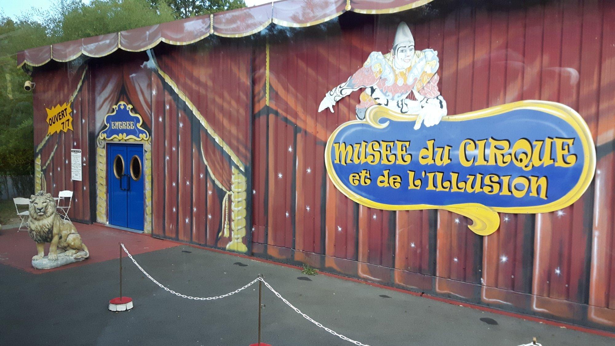 1402-musee-du-cirque-et-de-l-illusion-45.jpg