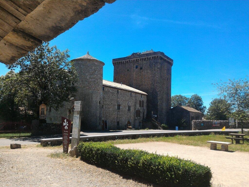 1610-tour-du-viale-du-pas-de-jaux-aveyron.jpg