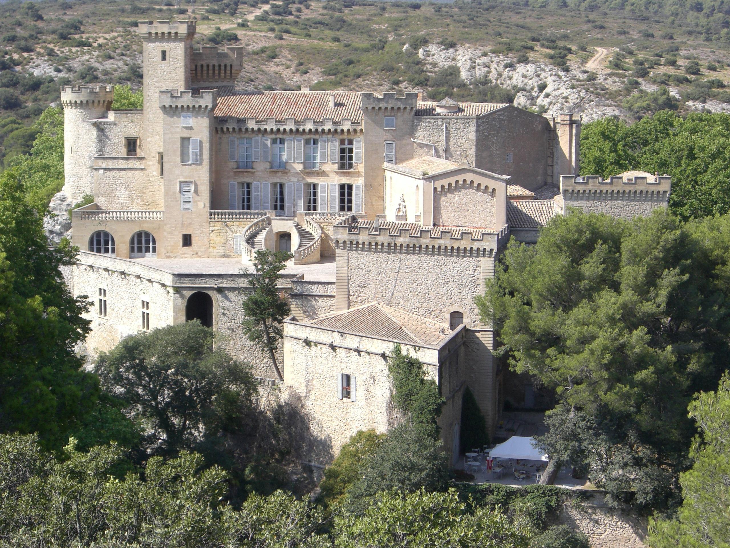 1643-chateau-de-la-barben-bouches-du-rhone.jpg