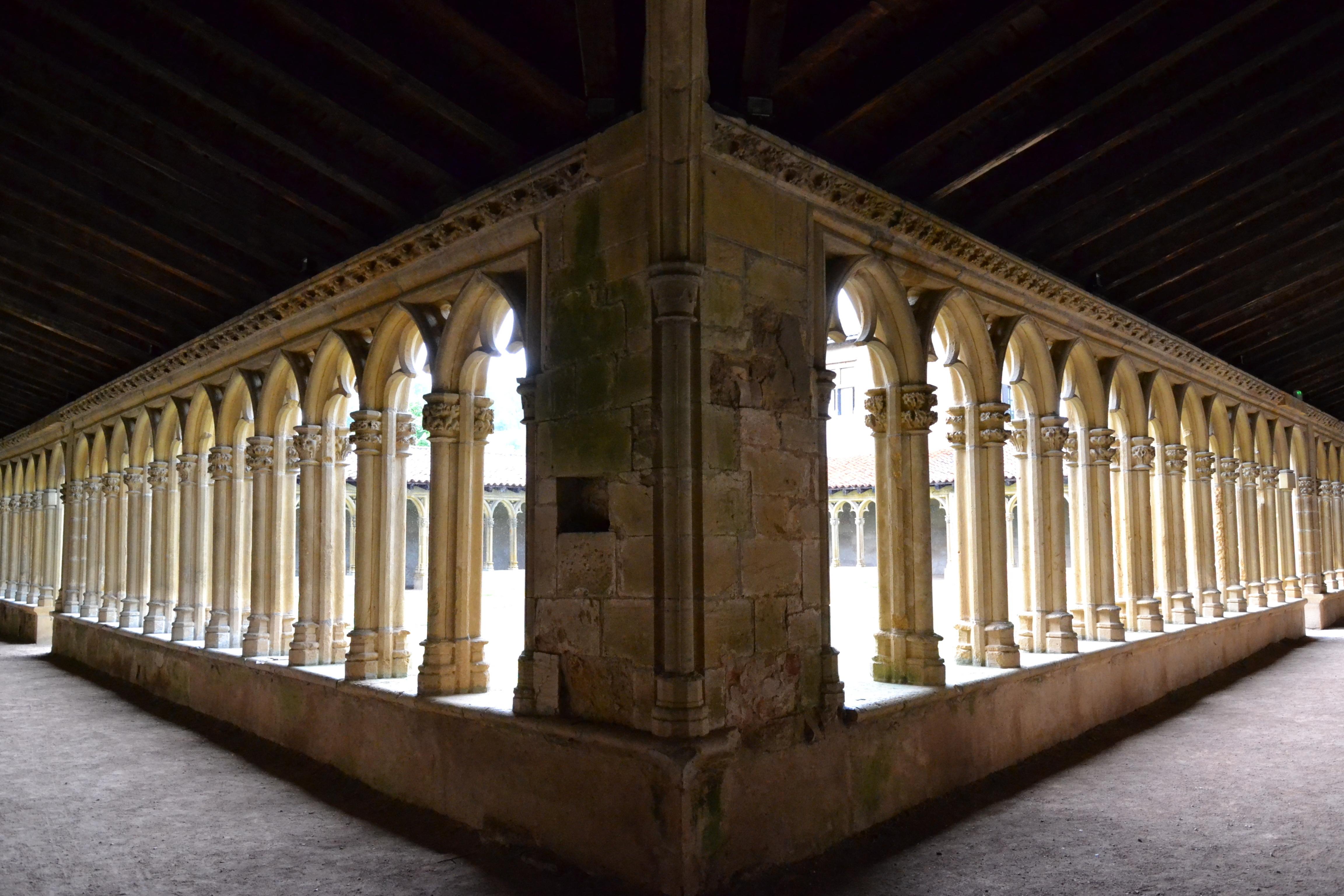 2104-couvent_des_cordeliers_-saint-nizier-sous-charlieu-loire-auvergne-rhone-alpes.jpg